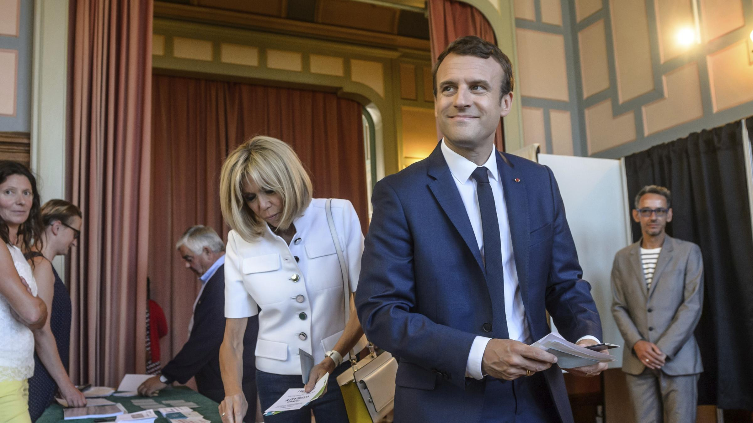 Macron party set for big win in France